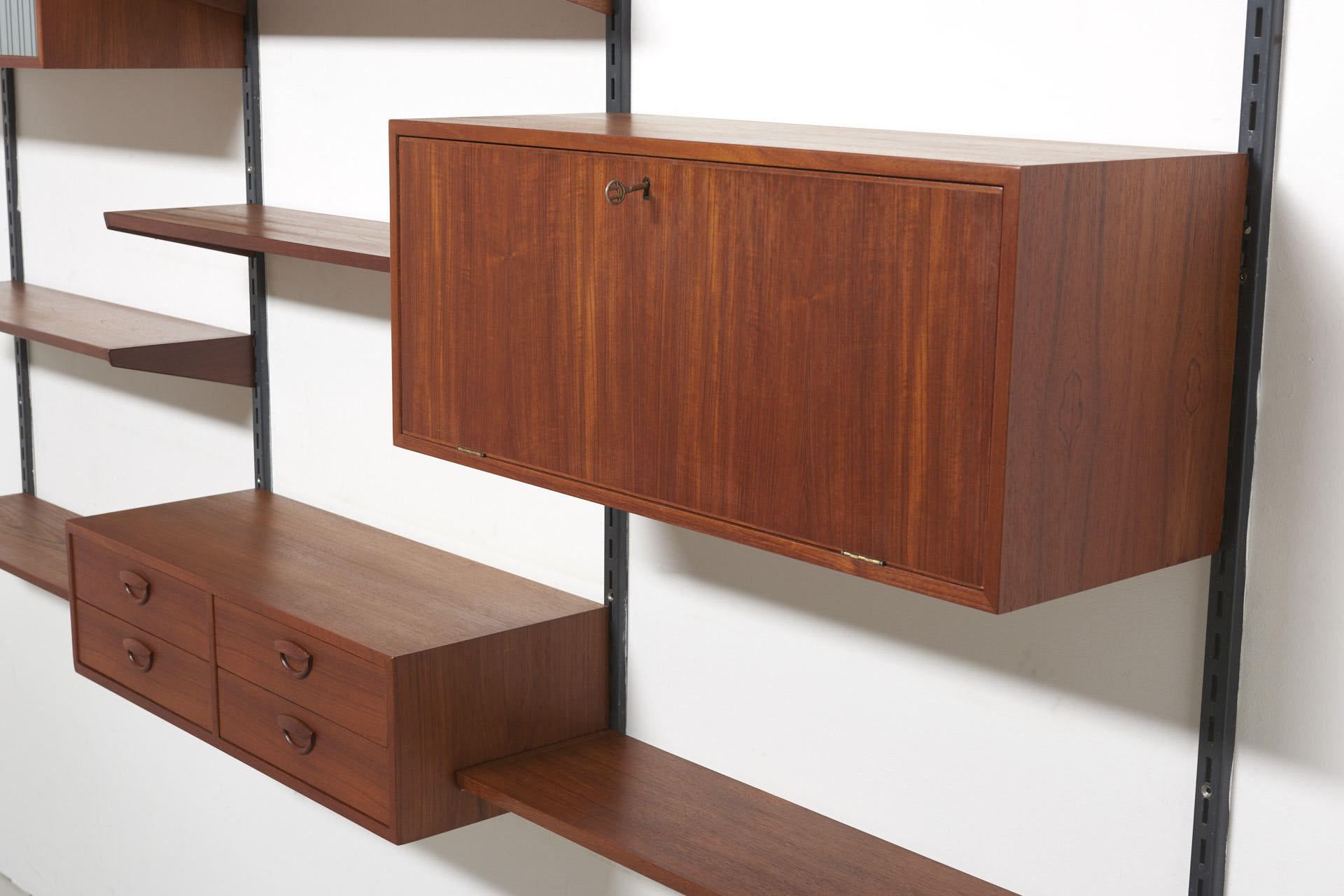modestfurniture-vintage-1440-wall-unit-set2-kai-kristiansen-fm-teak09