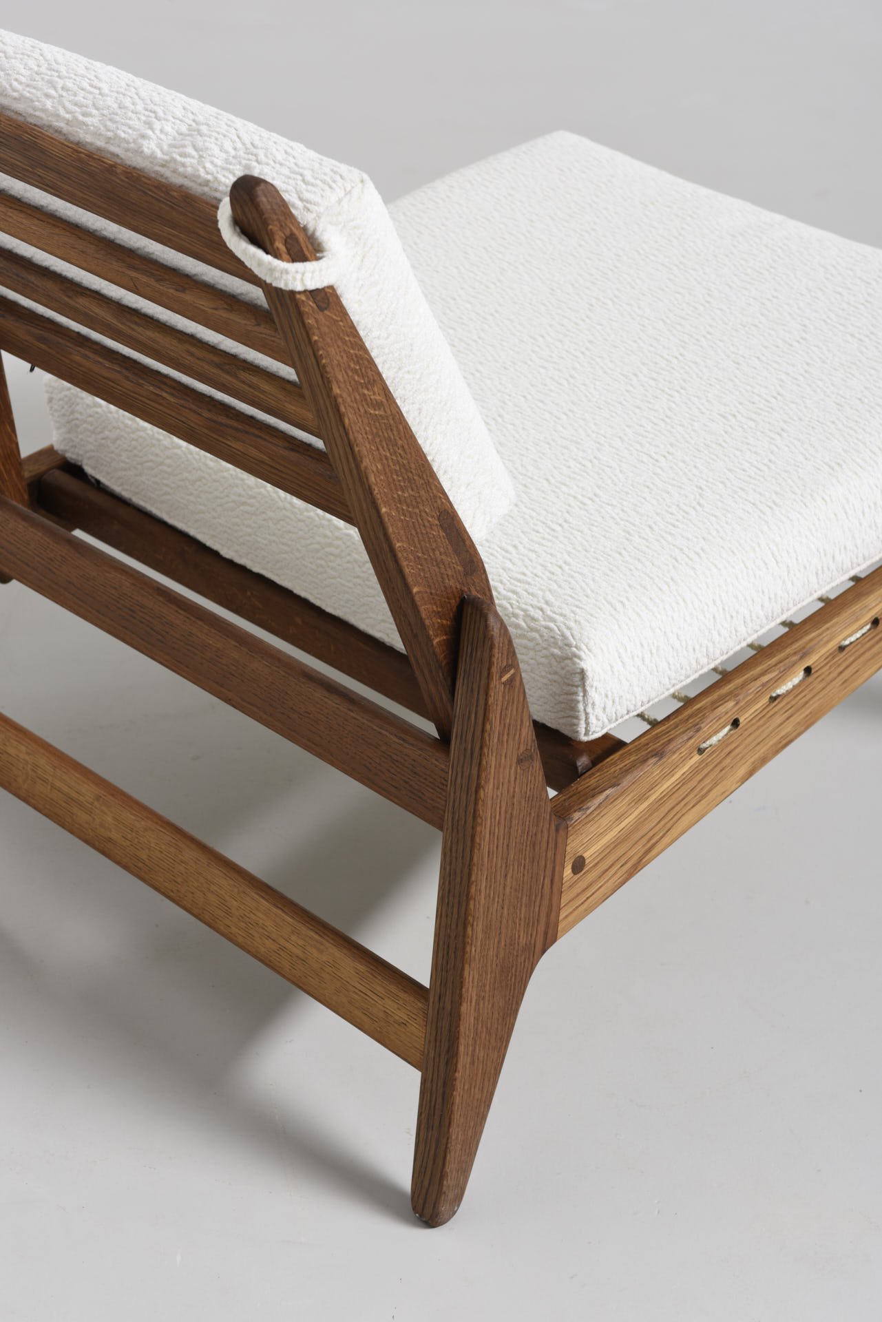 modest furniture vintage 1781-german-hunting-chair-with-ottoman 01