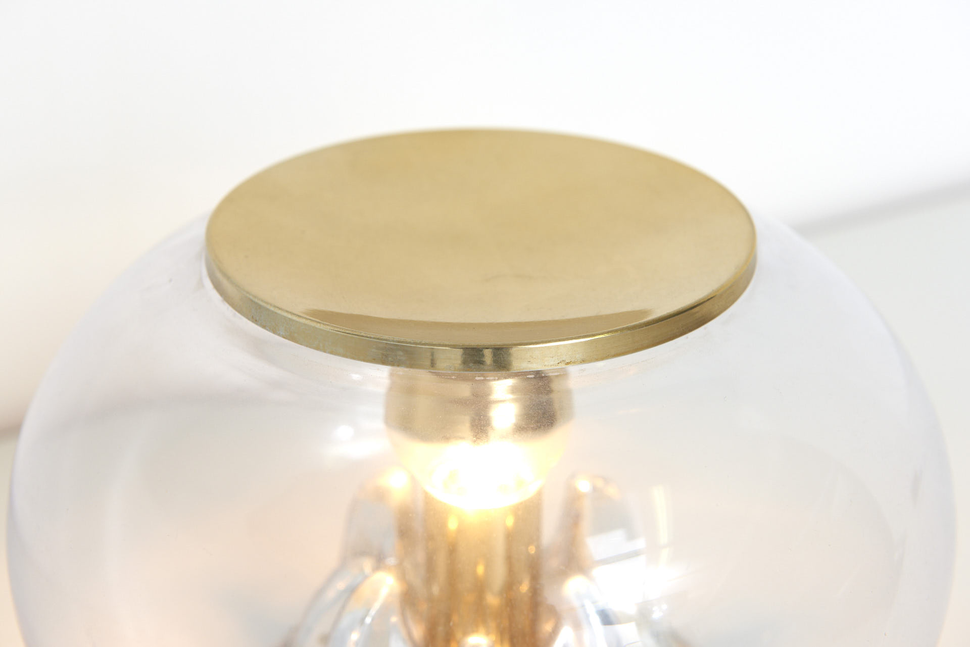 modestfurniture-vintage-1856-table-lamp-glass-dome-brass-lid02