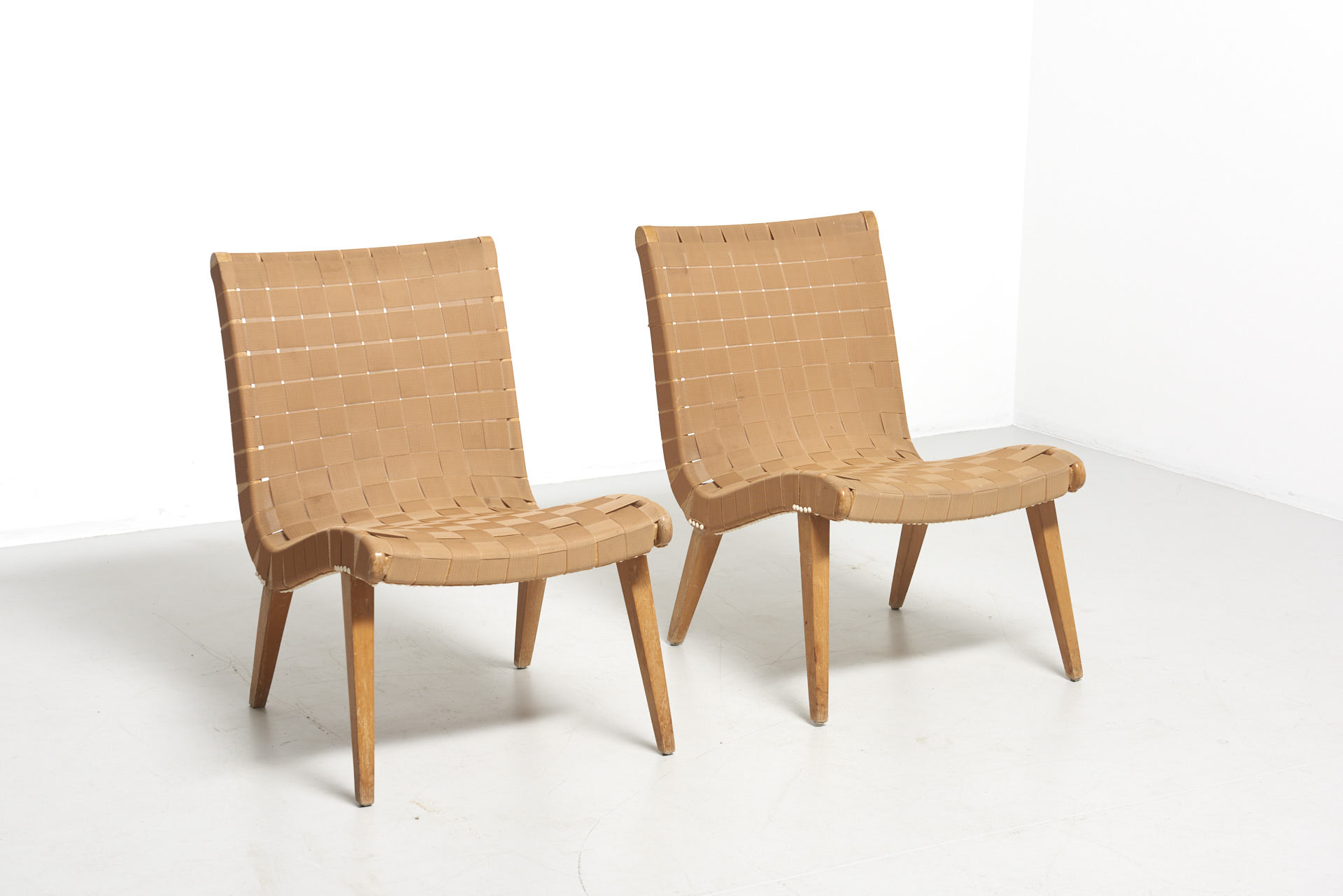 modestfurniture-vintage-1881-jens-risom-easy-chairs-knoll-beige01