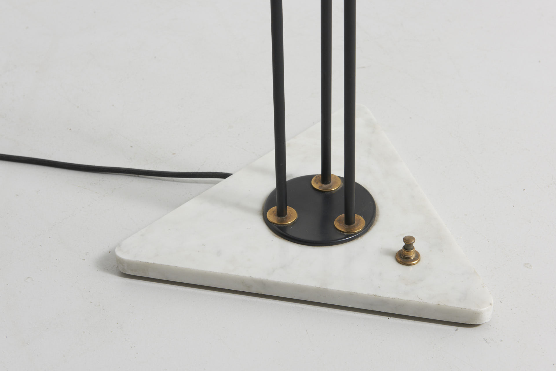 modestfurniture-vintage-1893-floor-lamp-stilnovo-marble-foot02