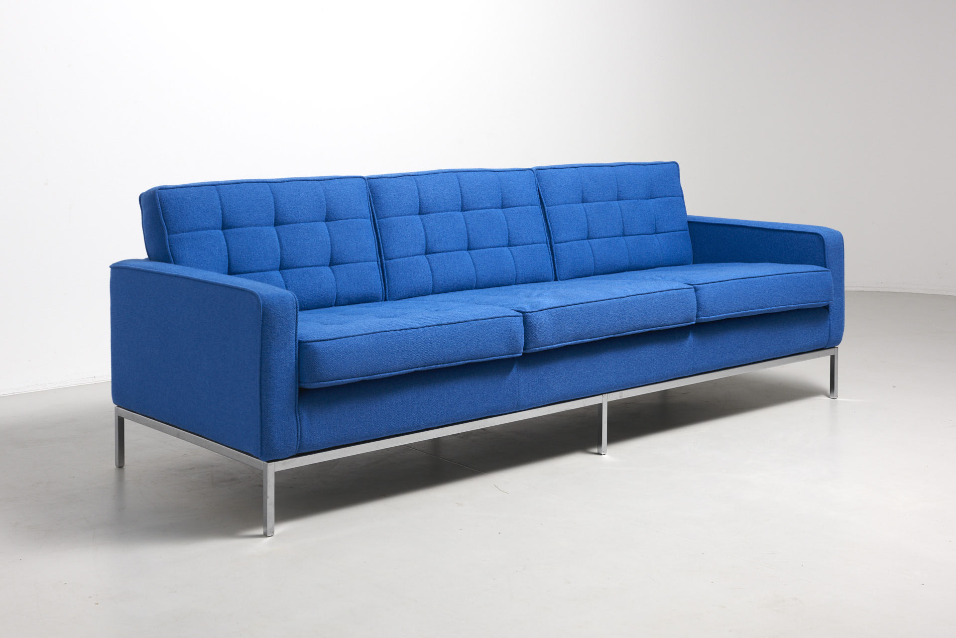 A 3 Seat Sofa Florence Knoll Archive Modest Furniture