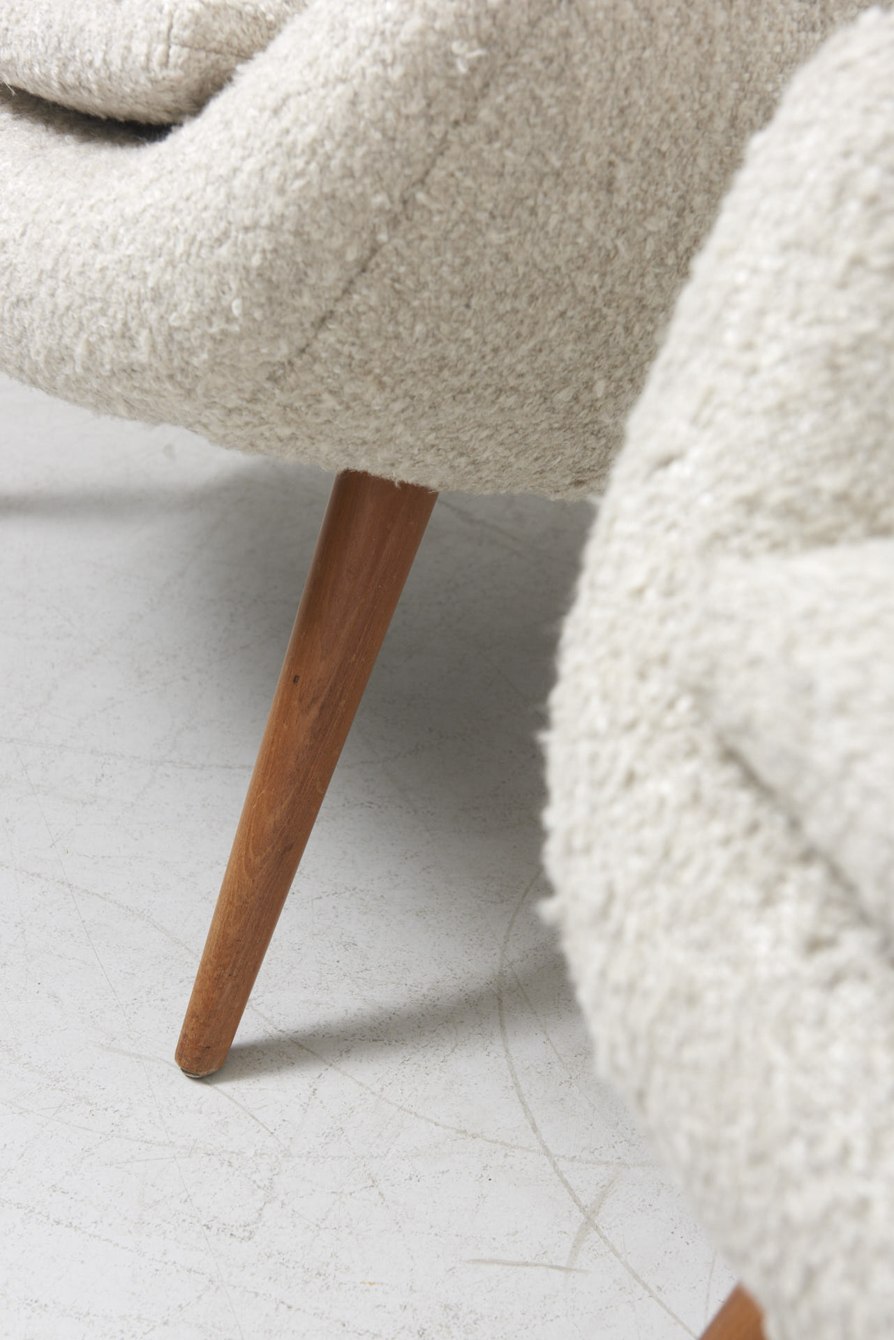 modestfurniture-vintage-1984-pair-easy-chairs-boucle05