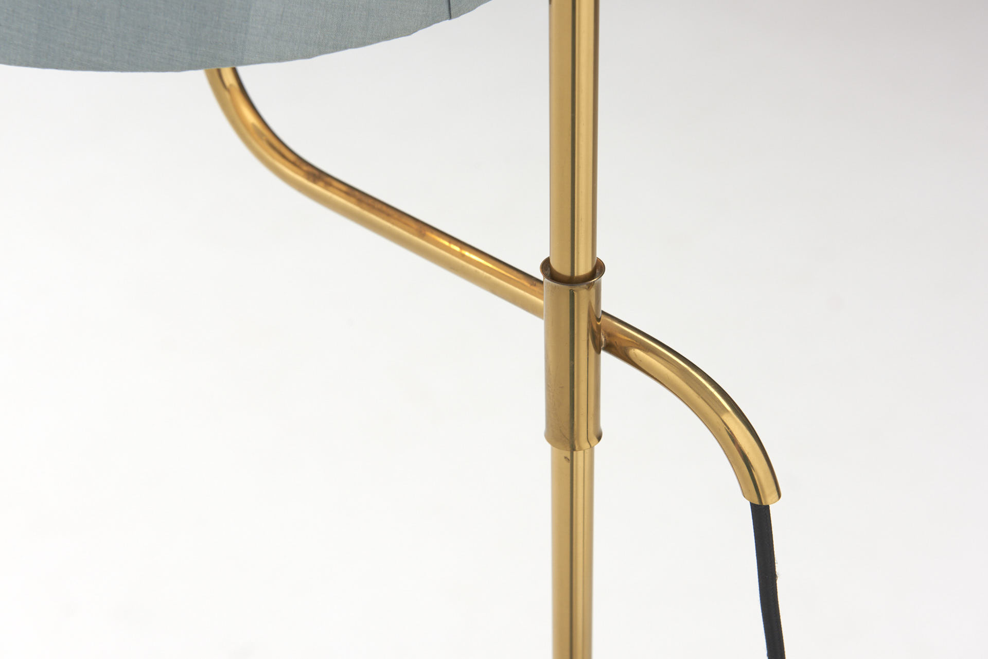 modestfurniture-vintage-2017-florian-schulz-floor-lamp-brass05