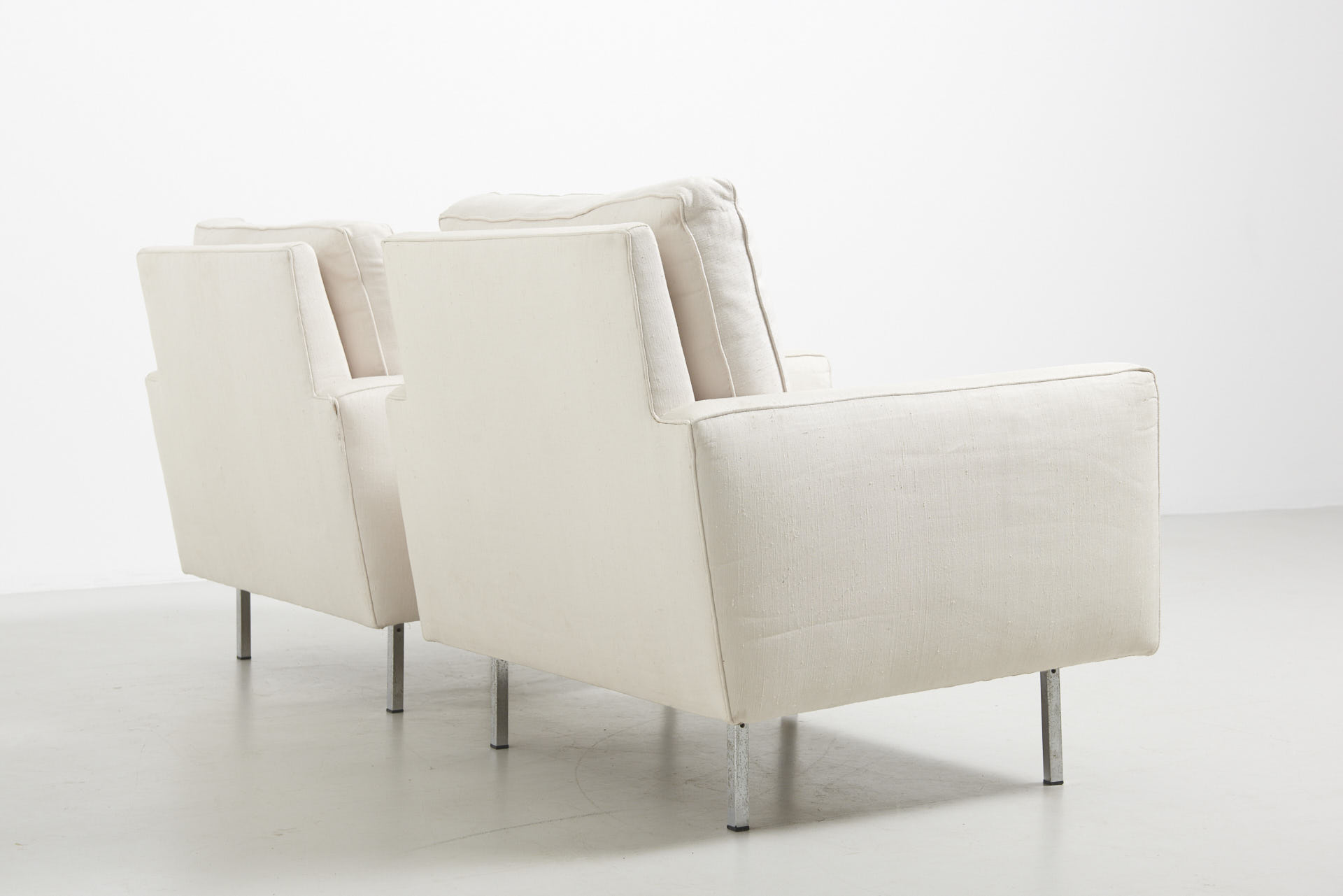 modestfurniture-vintage-2259-pair-easy-chairs-florence-knoll04