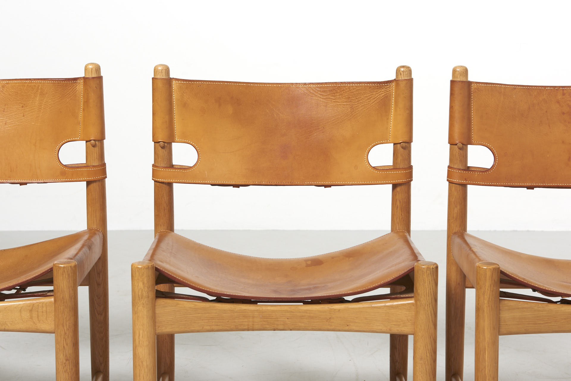 modestfurniture-vintage-2669-borge-mogensen-spanish-dining-chairs-fredericia-model-3237-323807