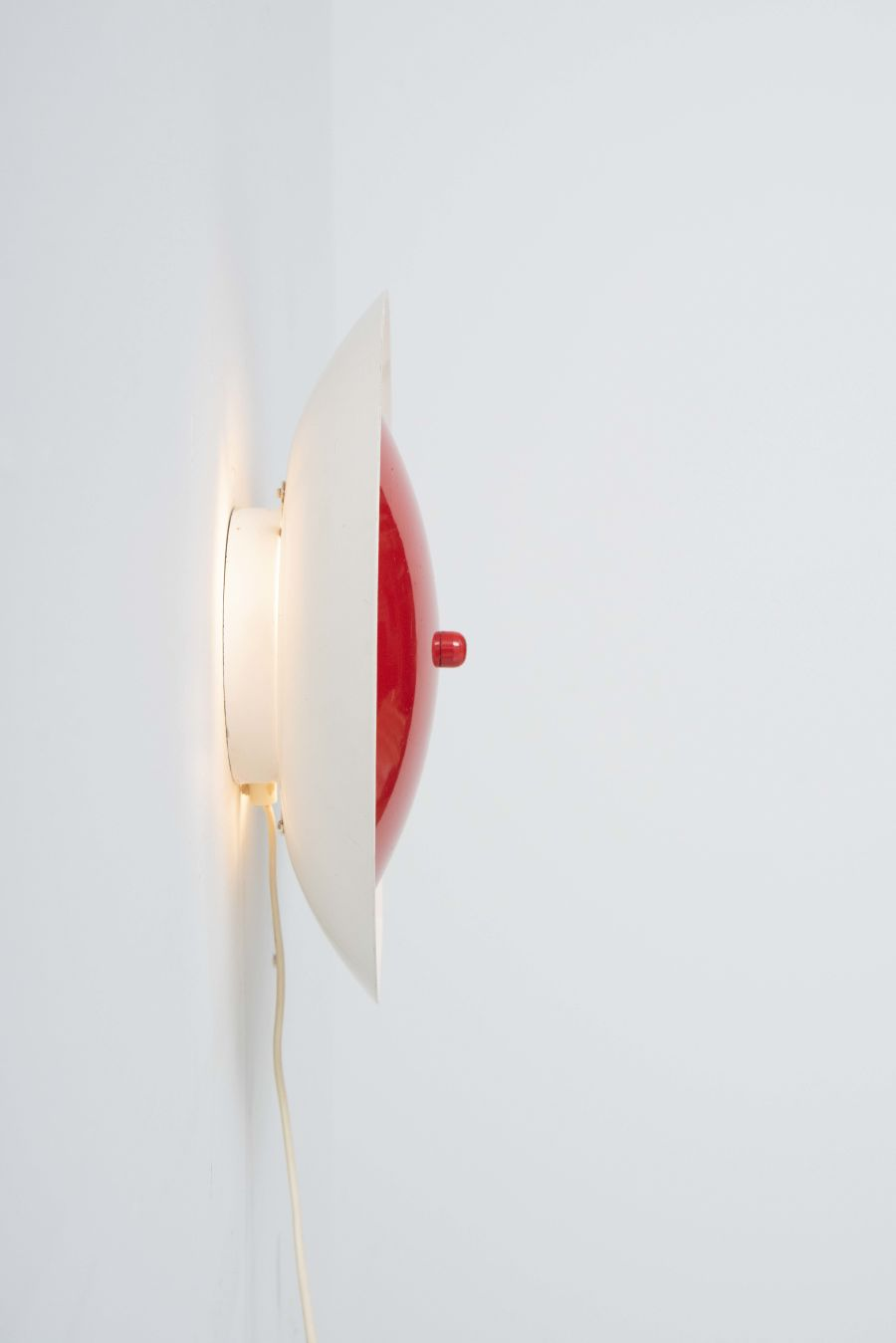 2637-round-red-wall-lamp-1
