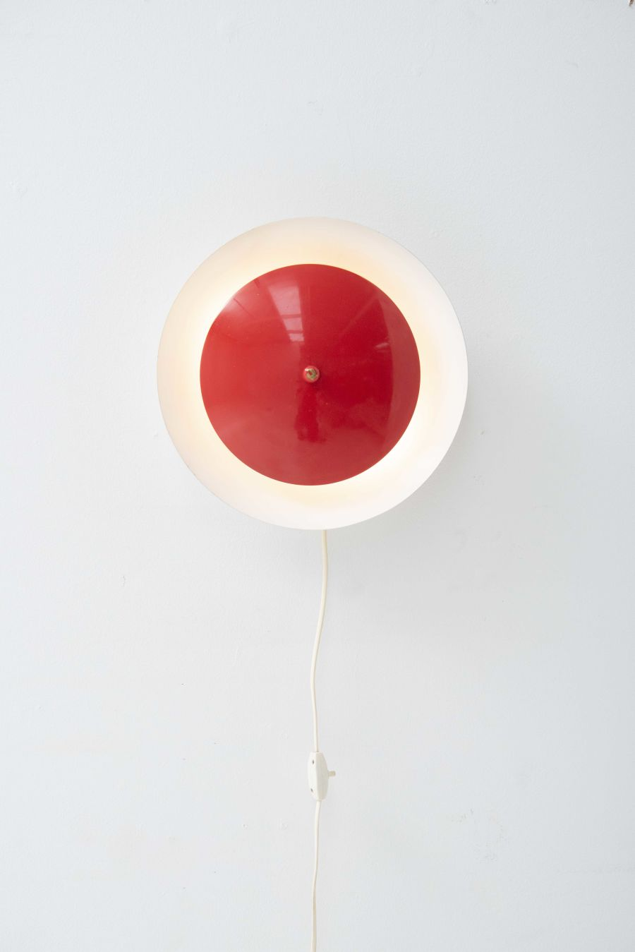 2637-round-red-wall-lamp-3