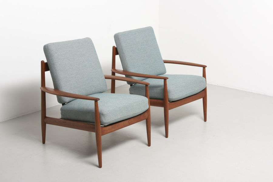 modestfurniture-vintage-1686-grete-jalk-easy-chairs-franse-and-son01