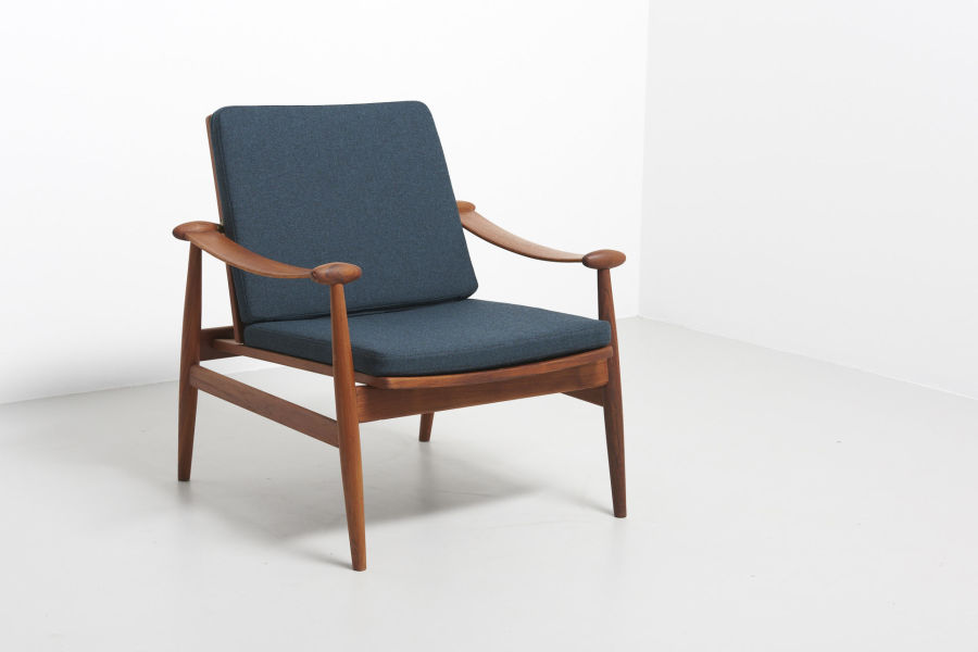 modestfurniture-vintage-1688-fin-juhl-spade-chair-france-and-son01