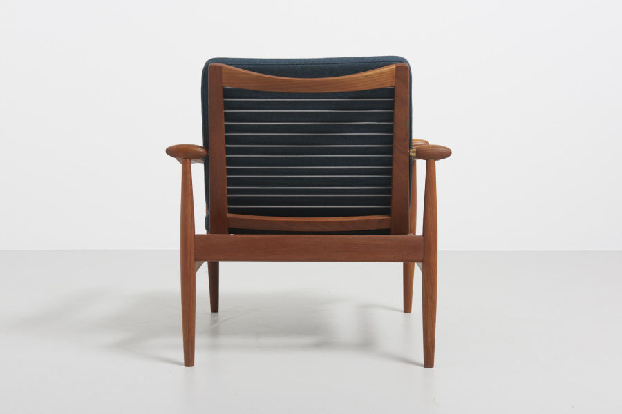 modestfurniture-vintage-1688-fin-juhl-spade-chair-france-and-son05