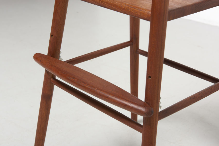 modestfurniture-vintage-1701-nanna-ditzel-children-chair-kold-savvaerk05