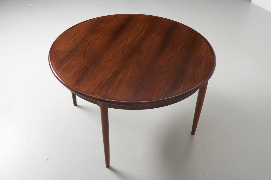 modest furniture vintage 1735 round rosewood dining table moller 07