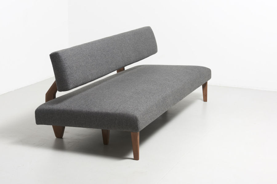 modestfurniture-vintage-1821-daybed-wood-legs02