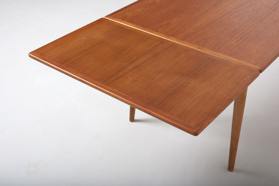 modestfurniture-vintage-1869-hans-wegner-dining-table-andreas-tuck-at-31211