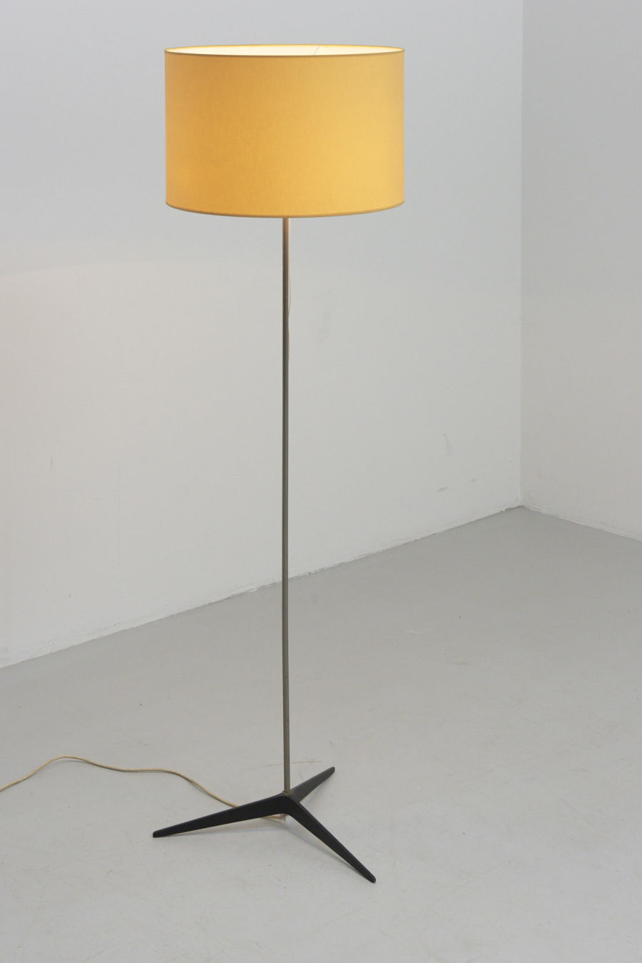 modestfurniture-vintage-1888-floor-lamp-3-star-foot02