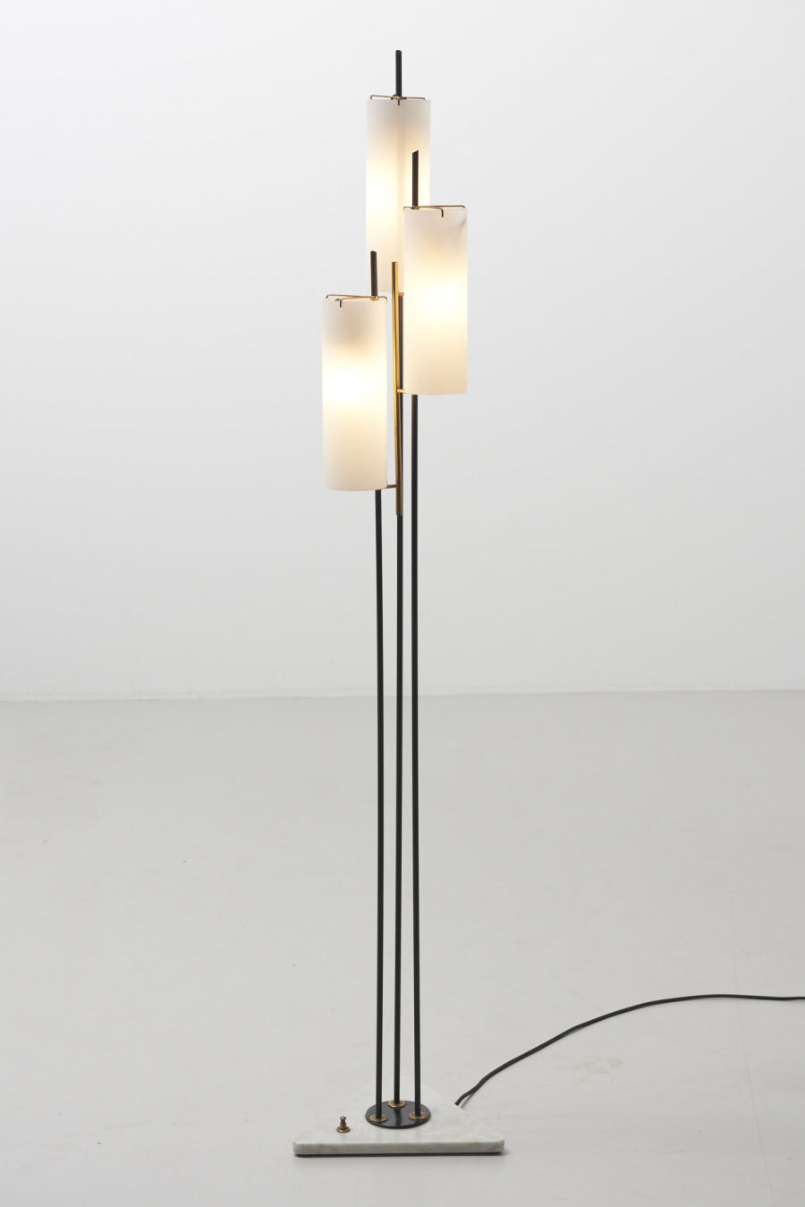modestfurniture-vintage-1893-floor-lamp-stilnovo-marble-foot08