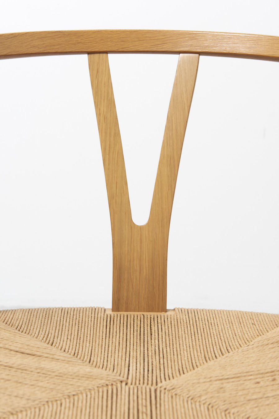 modestfurniture-vintage-1957-wishbone-chairs-hans-wegner09