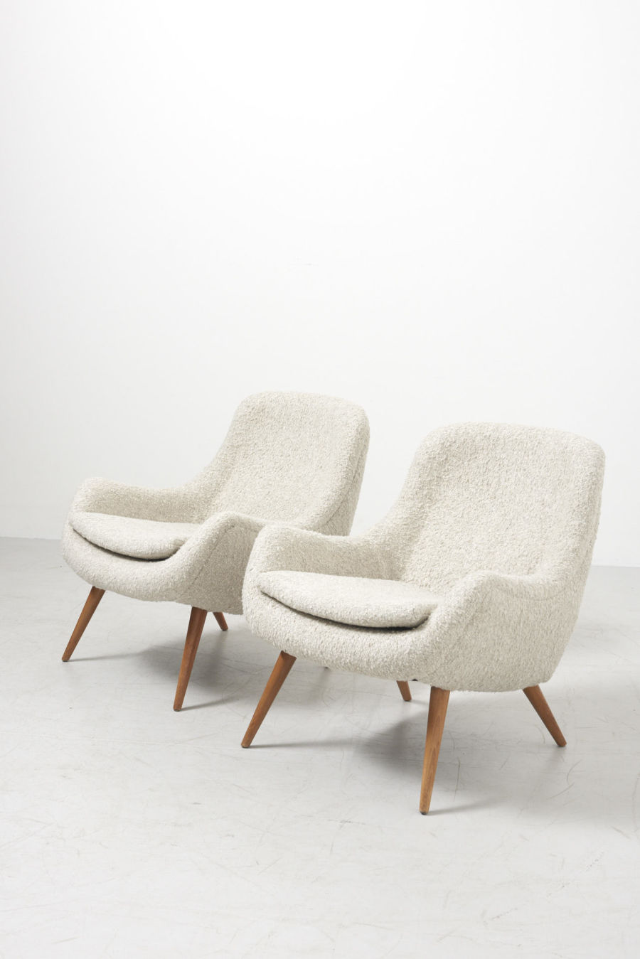 modestfurniture-vintage-1984-pair-easy-chairs-boucle04