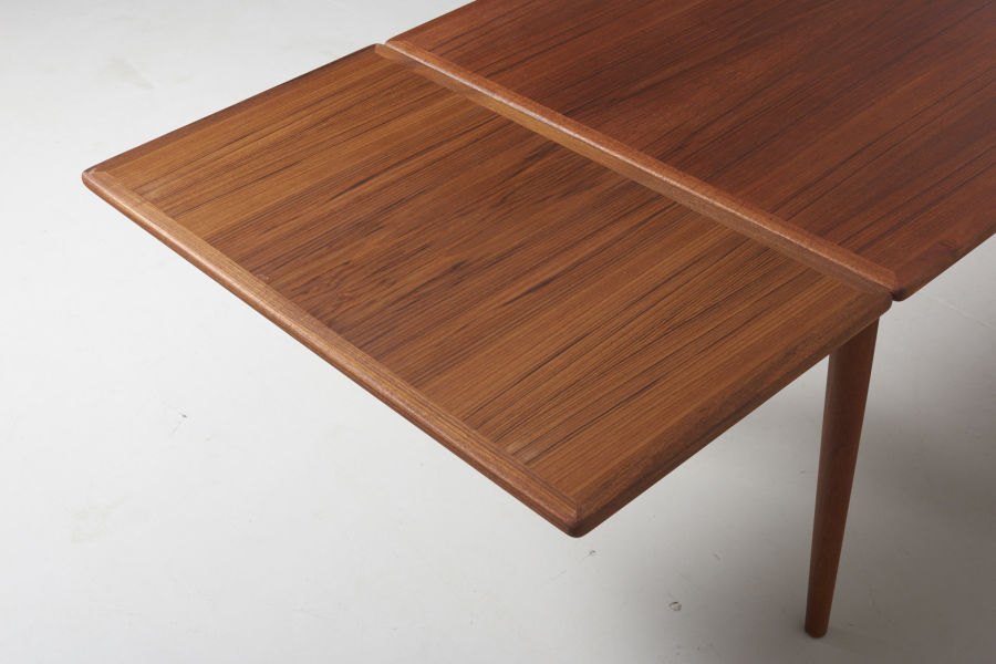 modestfurniture-vintage-1985-hans-wegner-teak-dining-table-andreas-tuck-at-31206