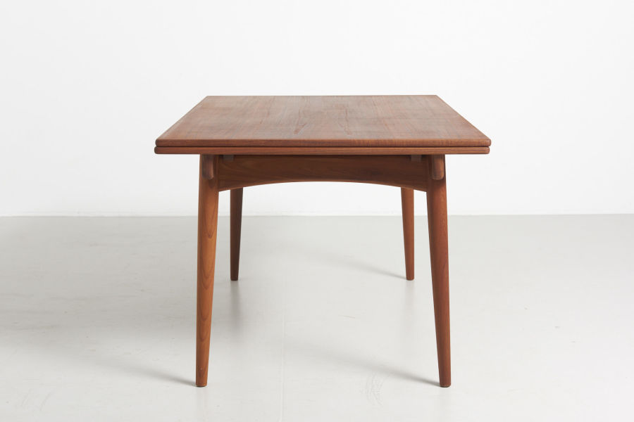 modestfurniture-vintage-1985-hans-wegner-teak-dining-table-andreas-tuck-at-31210