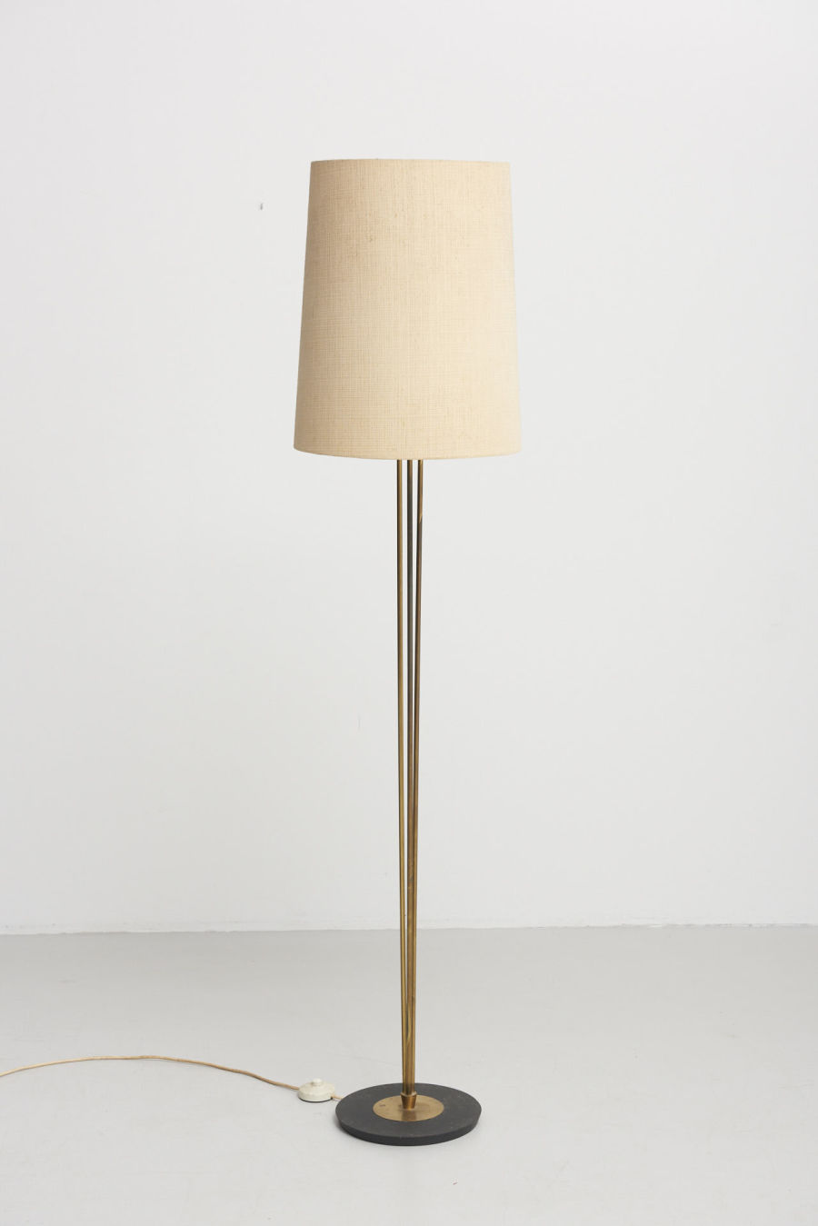 modestfurniture-vintage-2004-floor-lamp-brass-1950s04