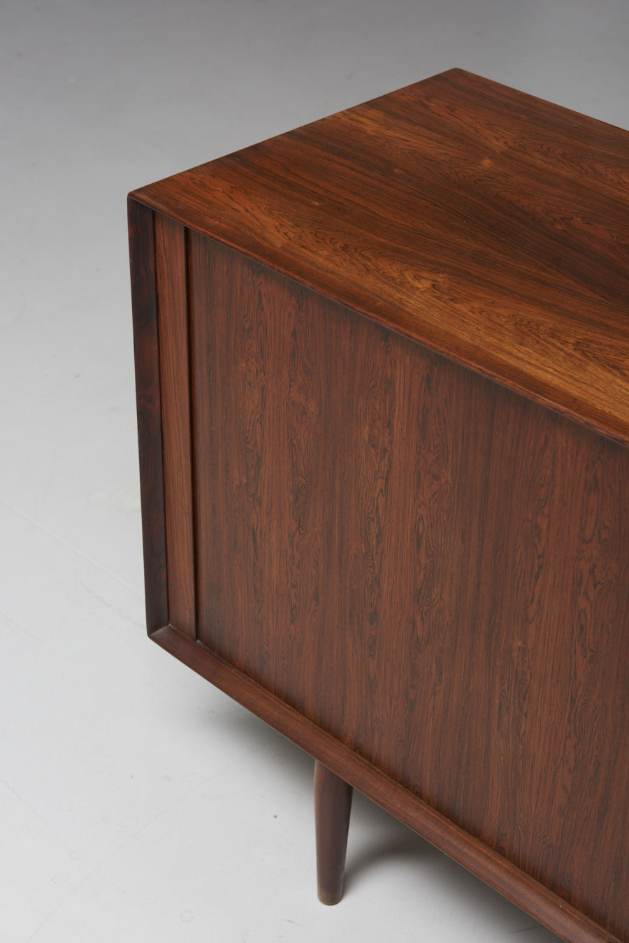 modestfurniture-vintage-2032-arne-vodder-sideboard-model-76-sibast14