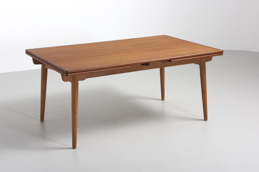 modestfurniture-vintage-2079-hans-wegner-dining-table-at-312-xl02