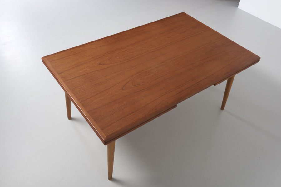 modestfurniture-vintage-2079-hans-wegner-dining-table-at-312-xl06