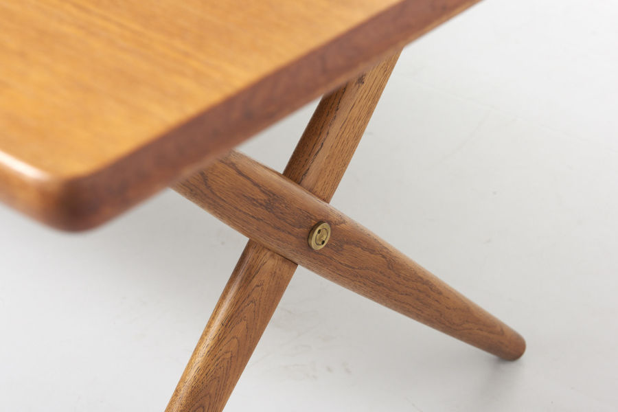 modestfurniture-vintage-2130-hans-wegner-crossleg-table-andreas-tuck-at-30303