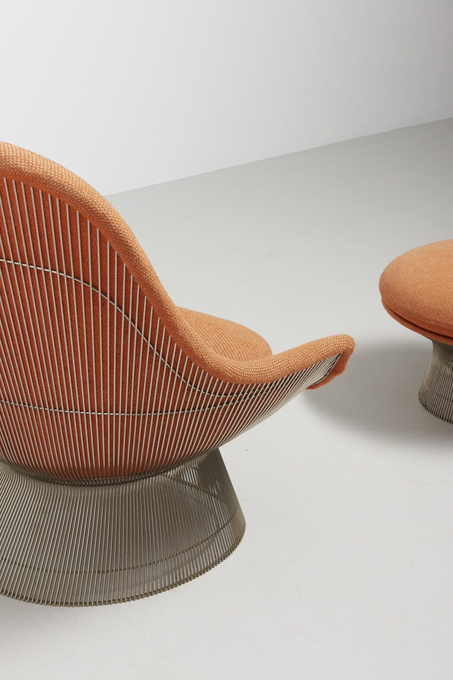 modestfurniture-vintage-2201-warren-platner-lounge-chair-with-ottoman-knoll-international09