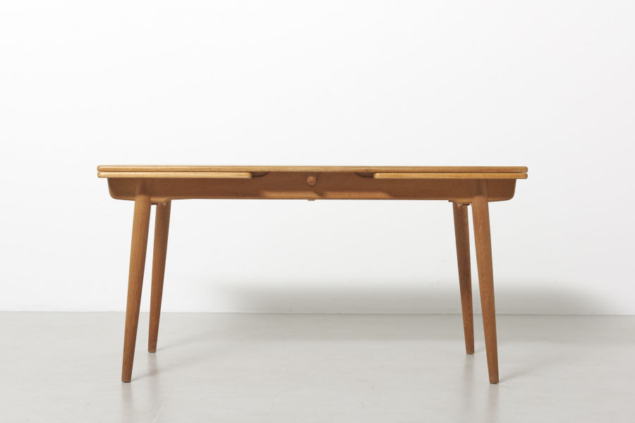 modestfurniture-vintage-2203-hans-wegner-dining-table-oak-andreas-tuck-at-31201