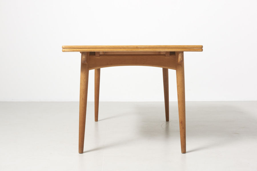 modestfurniture-vintage-2203-hans-wegner-dining-table-oak-andreas-tuck-at-31204