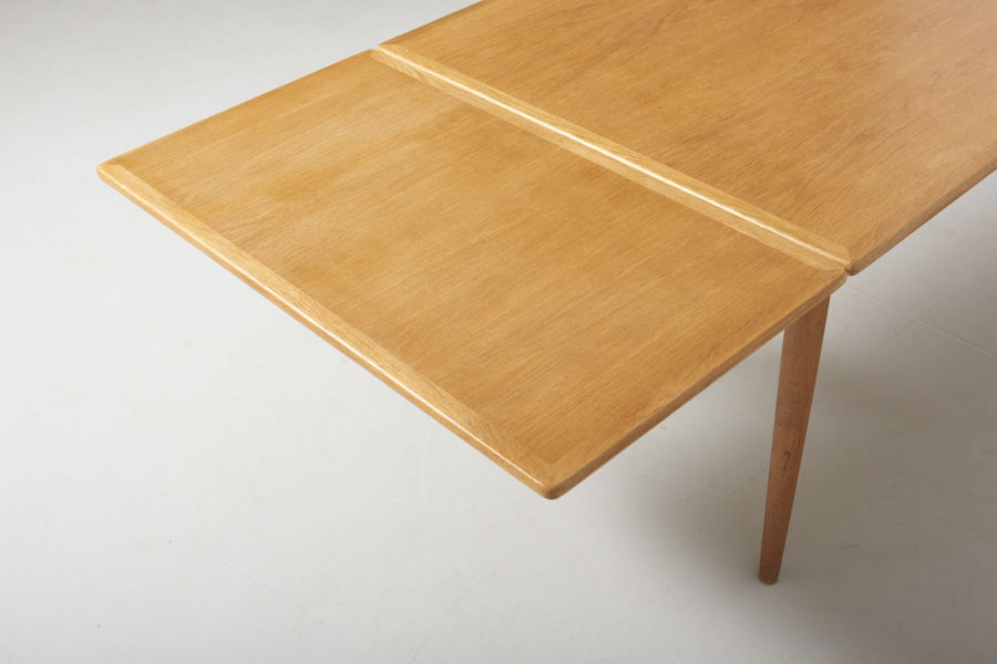 modestfurniture-vintage-2203-hans-wegner-dining-table-oak-andreas-tuck-at-31209