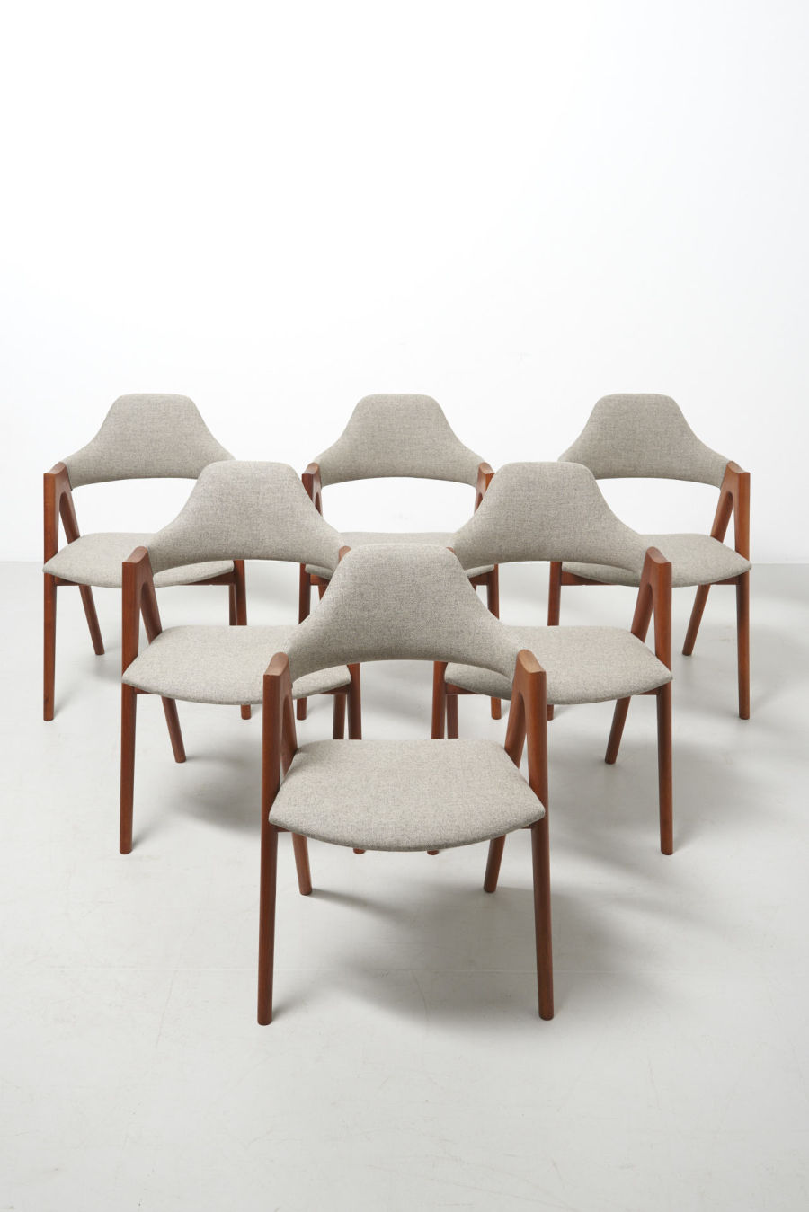 modestfurniture-vintage-2206-kai-kristiansen-compass-chairs01