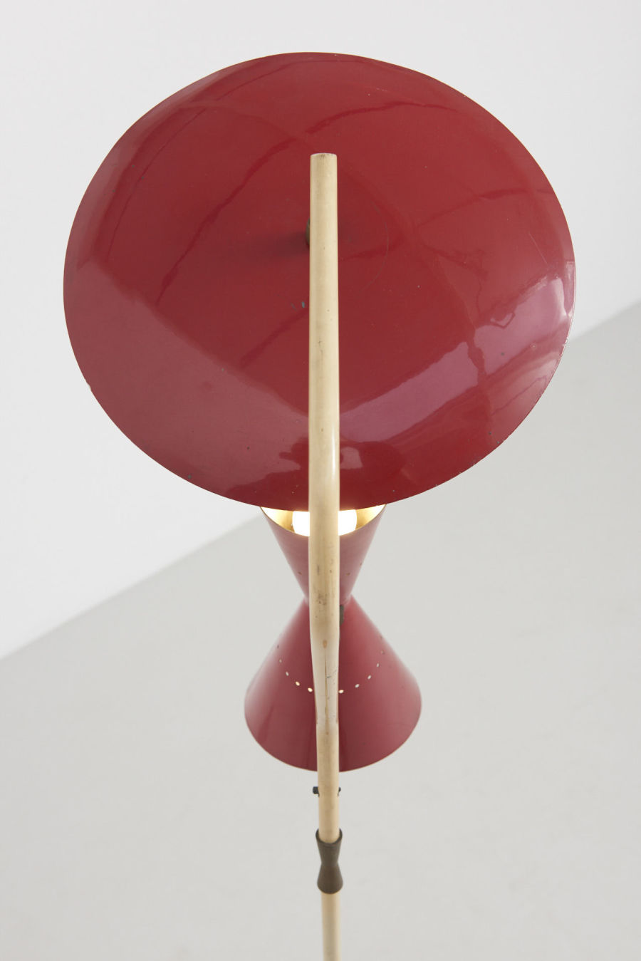 modestfurniture-vintage-2228-floor-lamp-red-indirect-up-down-red-shade-italy-195007