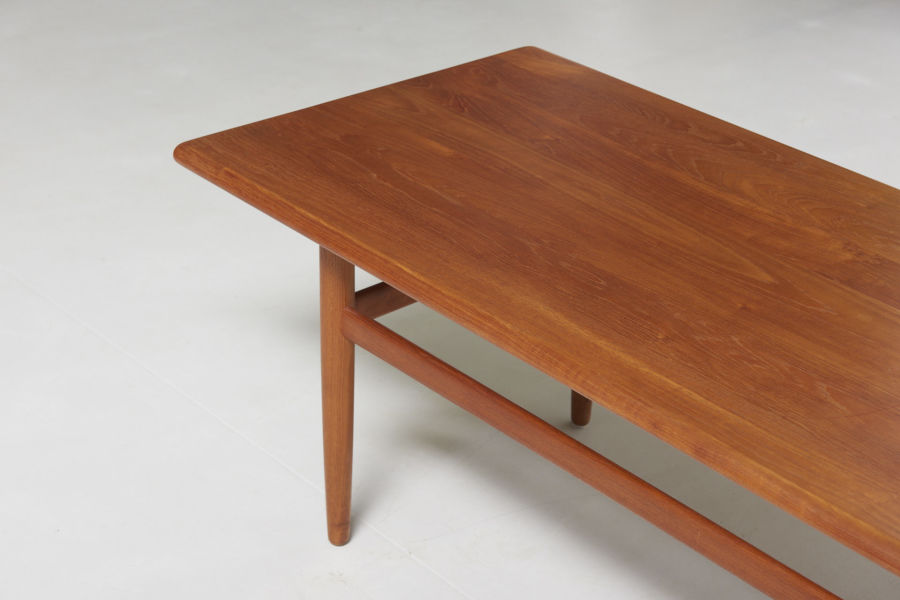 modestfurniture-vintage-2349-danish-low-table-teak04