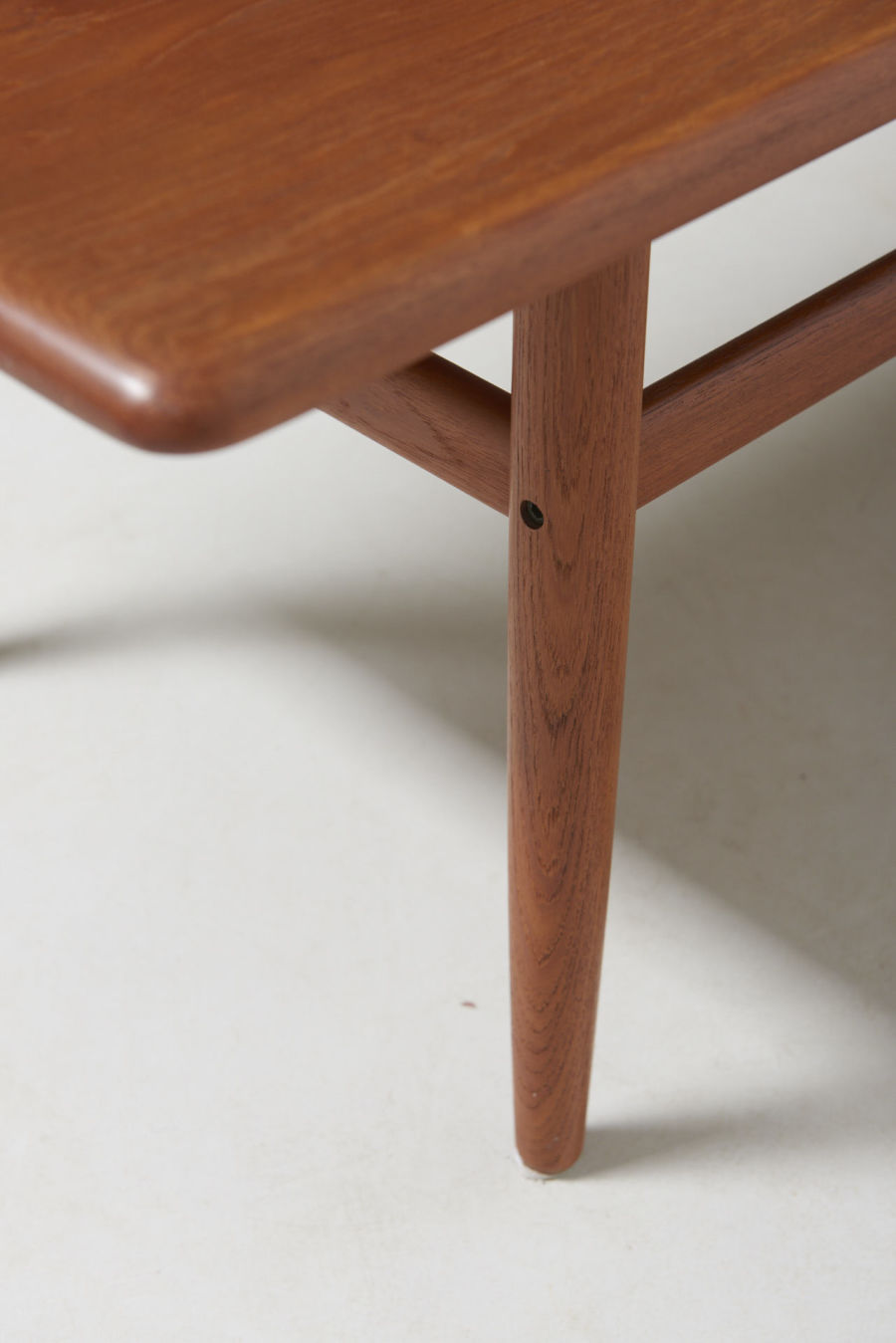 modestfurniture-vintage-2349-danish-low-table-teak08