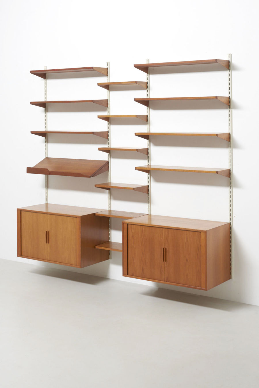 modestfurniture-vintage-2350-wall-unit-set3-kai-kristiansen-fm-teak01