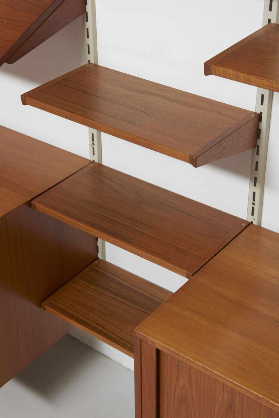 modestfurniture-vintage-2350-wall-unit-set3-kai-kristiansen-fm-teak05