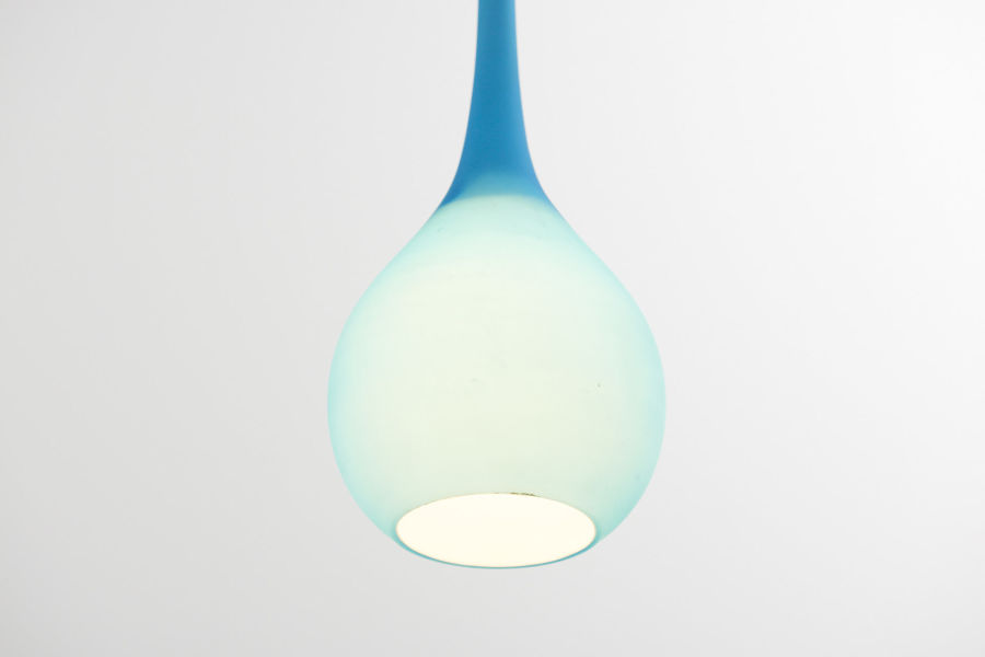 modestfurniture-vintage-2442-blue-drop-glass-pendant02