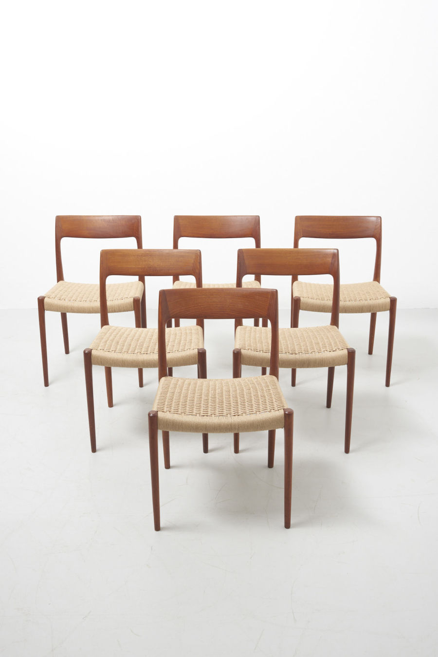 modestfurniture-vintage-2469-niels-moller-dining-chairs-model-77-teak-papercord01