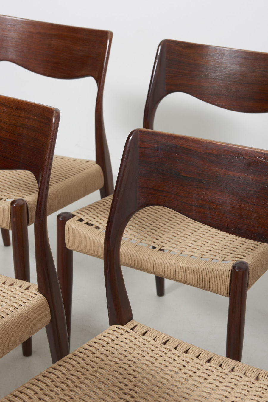 modestfurniture-vintage-2471-rosewood-dining-chairs-paper-cord08