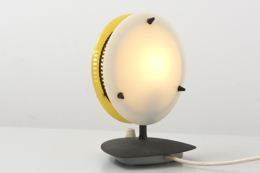 modestfurniture-vintage-2481-table-lamp-yellow-white-dimmable03