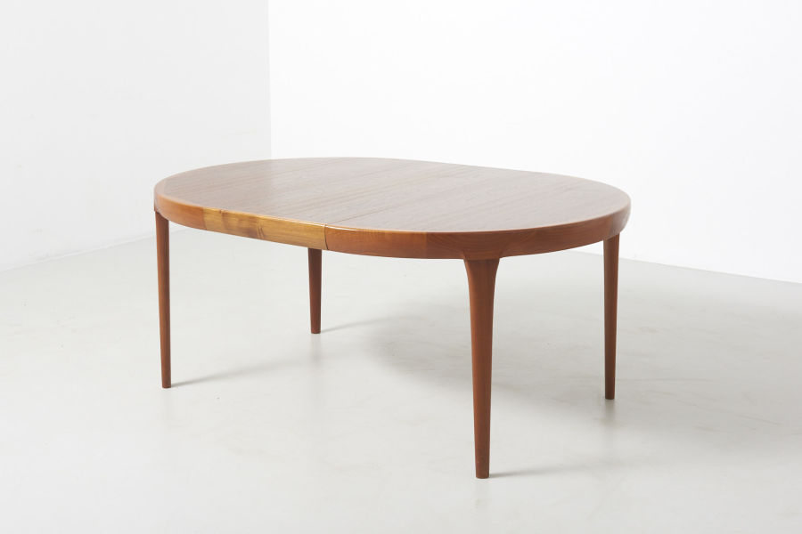 modestfurniture-vintage-2533-dining-table-ib-kofod-larsen08