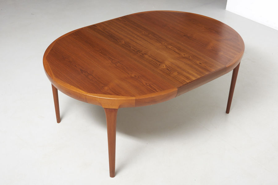 modestfurniture-vintage-2533-dining-table-ib-kofod-larsen09