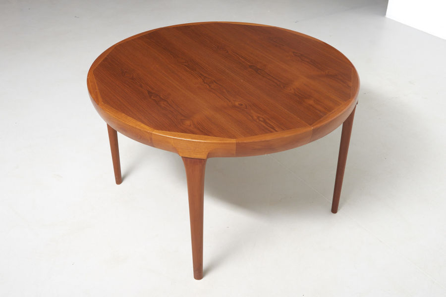 modestfurniture-vintage-2533-dining-table-ib-kofod-larsen10
