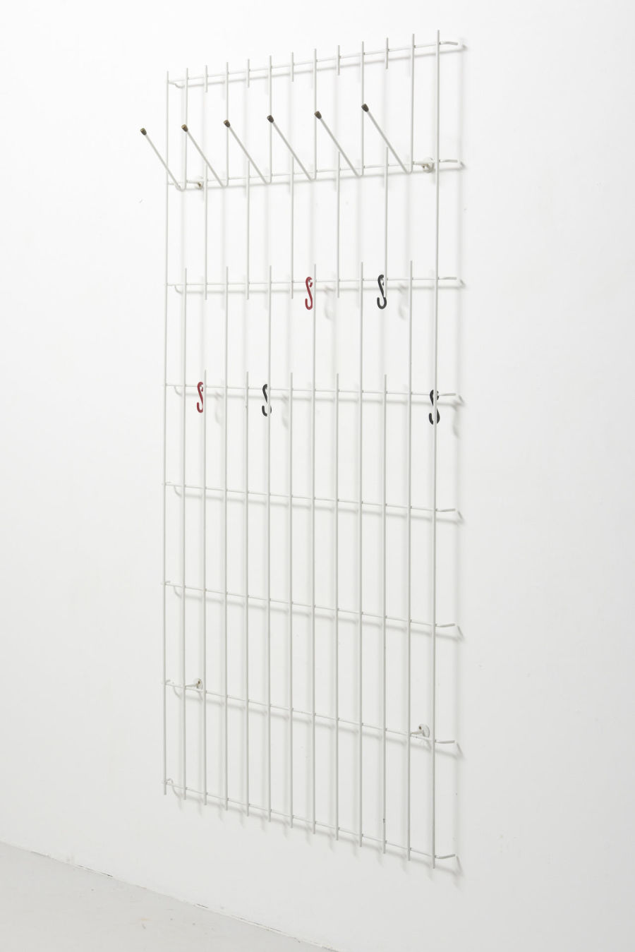 modestfurniture-vintage-2564-coat-hanger-white-metal-rack02