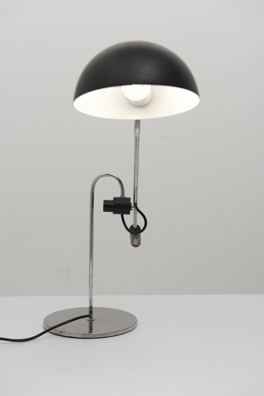 modestfurniture-vintage-2639-desk-lamp-chrome-black-italy03