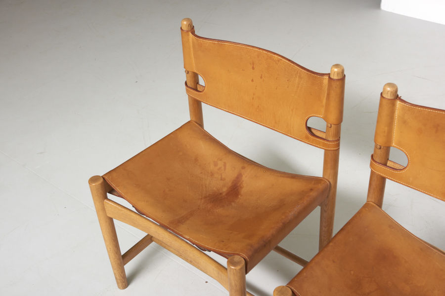 modestfurniture-vintage-2669-borge-mogensen-spanish-dining-chairs-fredericia-model-3237-323804